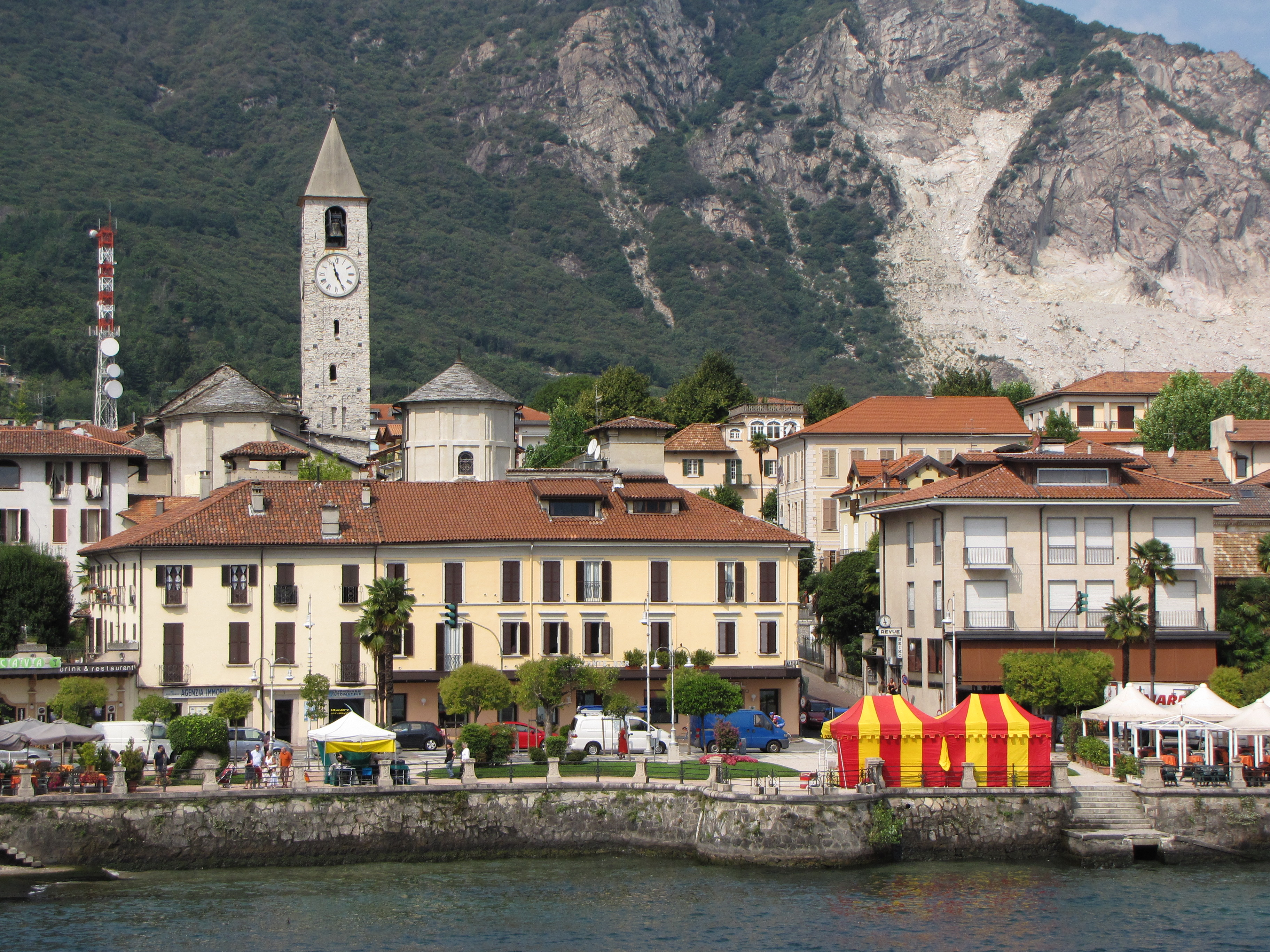 Lake Maggiore: One of the little towns seen from the ferry